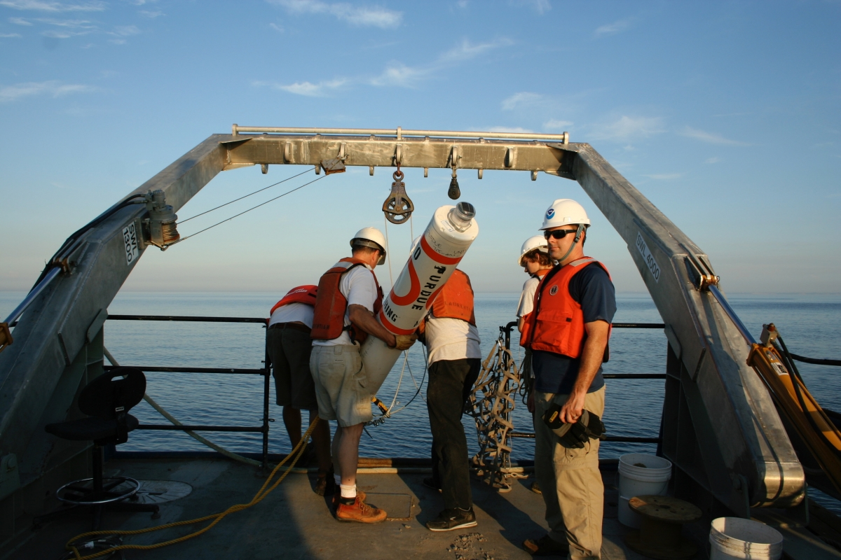 NOAA R/V Laurentian field work